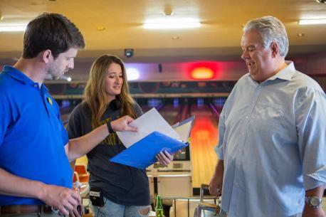 Jon Heder (Jeff), Kendall Goldberg, Jim O'Heir (Carl)