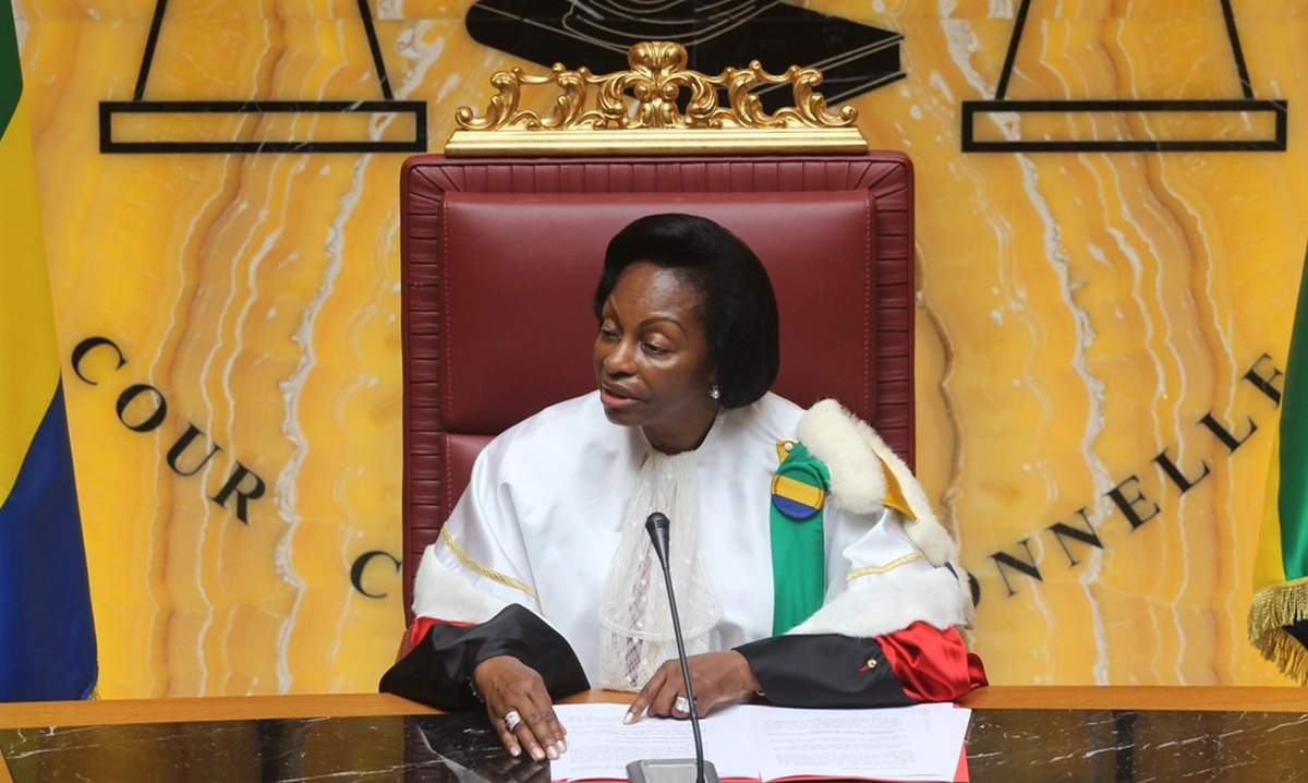 Dissolution de l'assemblée nationale — Gabon