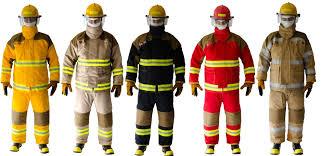 ¿De qué está hecha la vestimenta de un bombero?