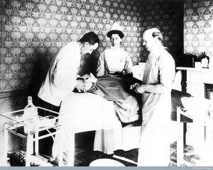 ¿Sabías que la anestesia local comenzó a practicarse con cocaína?