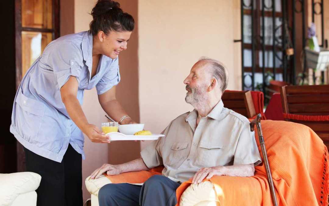 Servicios de comida a domicilio para mayores