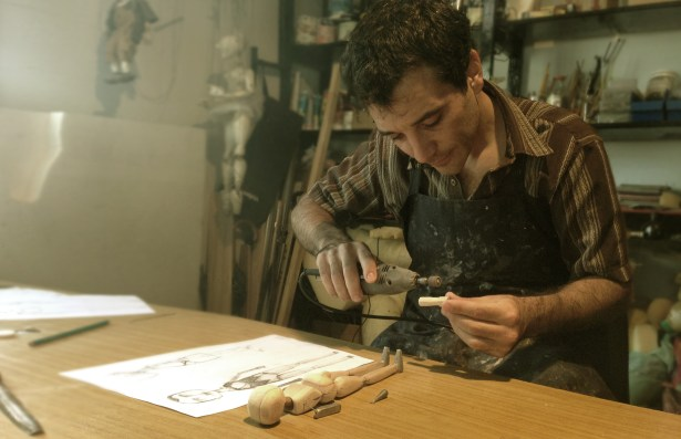 Lucas marioneta making