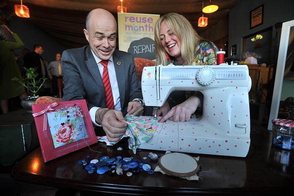 At the launch of Reuse Month 2018 in Roscommon, Denis Naughten TD, Minister for Communications, Climate Action and Environment with Michelle Fallon, Owner, michelle made this. Photo: Ray Ryan