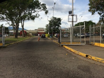 "Main Entrance of the Hospital ""Dr. Patricio Peñuela Ruiz"" without any accessibility ramps or continuous sidewalk to the main access point."