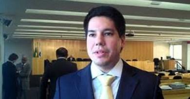 Adv Andrei Aguiar é o novo presidente da Escola superior de Advocacia do Ceará