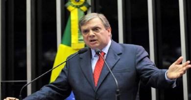 """Senador Tasso Jereissati (PSDB-CE)i critica manutenção de """"jabutis"""" no texto da privatização da Eletrobrás"""