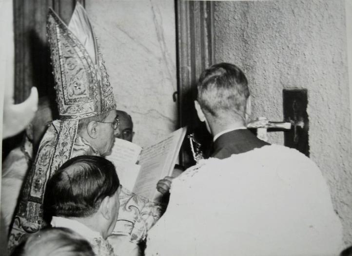 Pio XII abertura Porta Santa Jubileu 1950