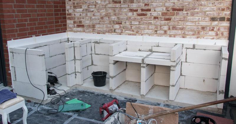 Outdoor Küche Aus Stein Selber Bauen : Projekt outdoorküche teil 2 die grundmauern werden hochgezogen