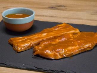 Schweinenacken und Schweinebauch mit Paprika-Marinade