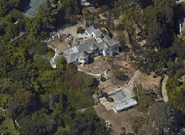 The curious case of Cynthia Beck's abandoned Malibu and Bel