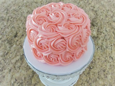 Rosette cake, cake tutorial, frosting tutorial, buttercream frosting, birthday cake, first birthday, cake, baking, baking blog, baking tutorial, diy cake, diy rosette cake
