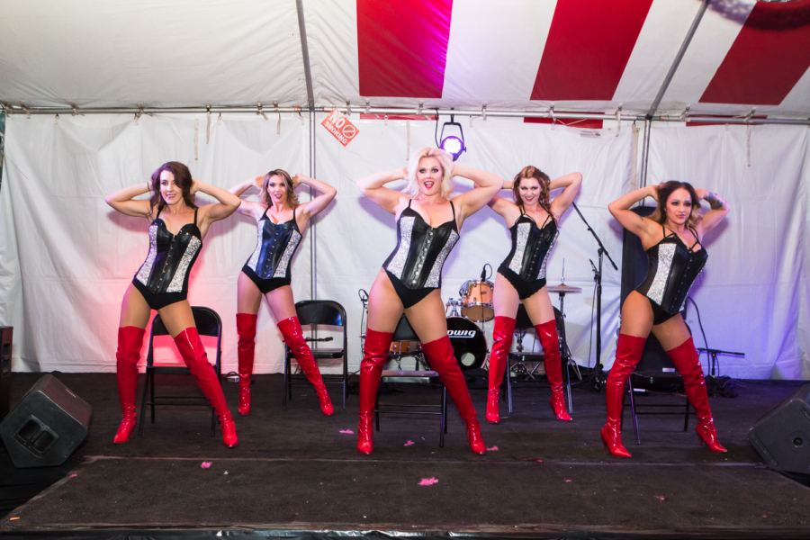 Flaunt Girls at the Dirty Dogg Saloon
