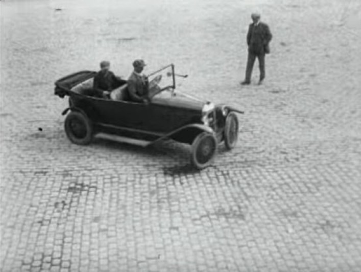 Parking Problem Solved by the French:  Innovation in 1927