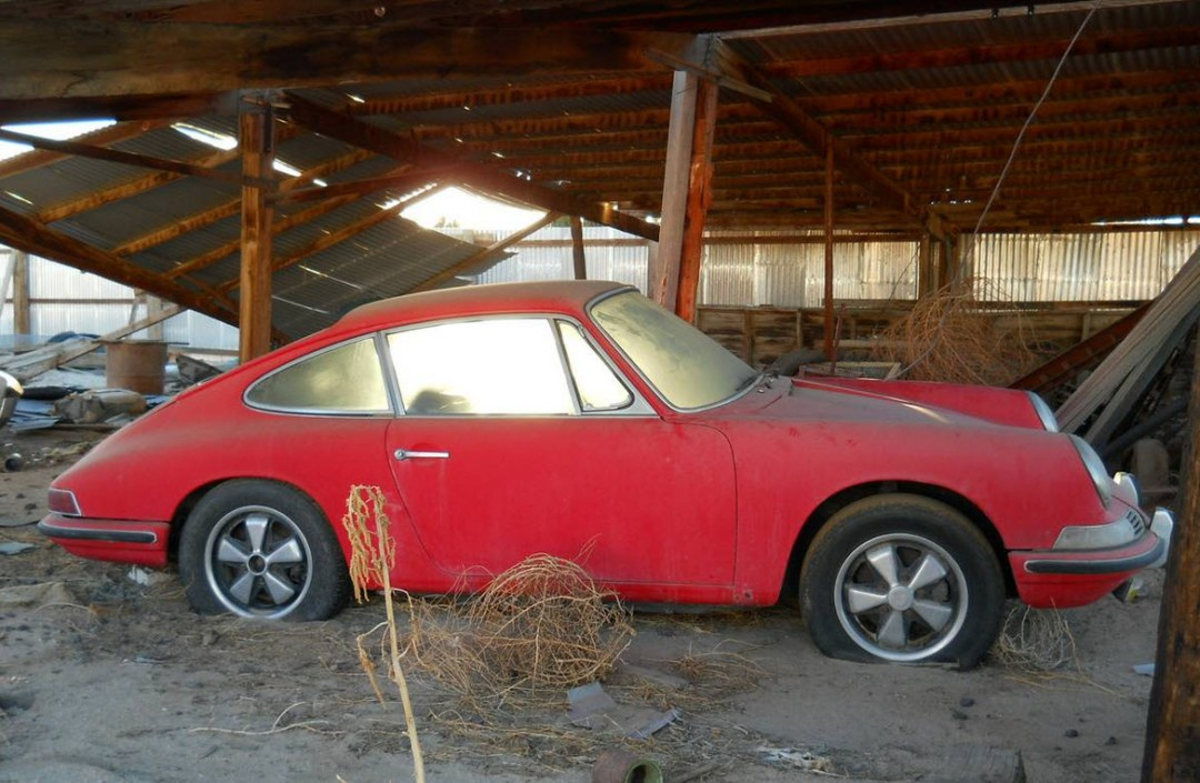 dirtyoldcars.com 1966 Porsche 911 Project in Boulder City Colorado 12