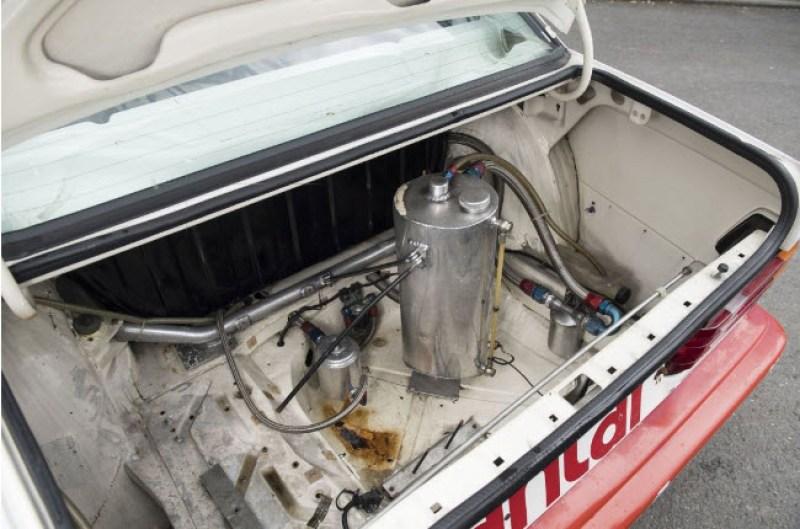 dirtyoldcars.com  1985 Mercedes 190E  Ex-Team Snobeck    2