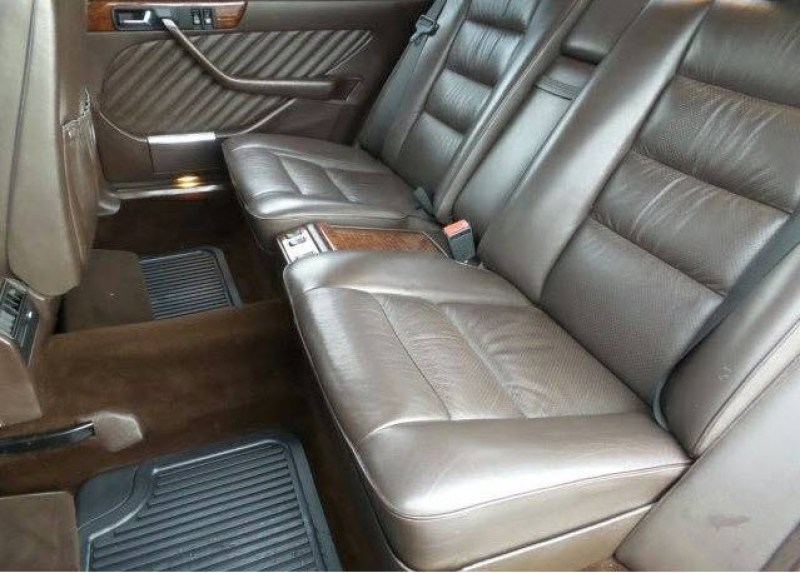 Mercedes 560 SEL With Rare Seating Option Found in Denver