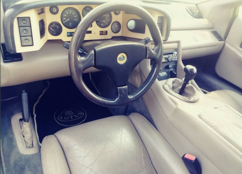 dirtyoldcars.com   1989 Lotus Esprit Turbo SE  White Found in New Jersey   5