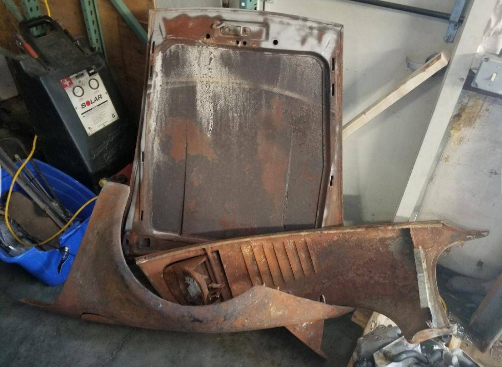 dirtyoldcars.com Porsche 930 Turbo Slant Nose Fenders and Hood Found in New Hampshire 3
