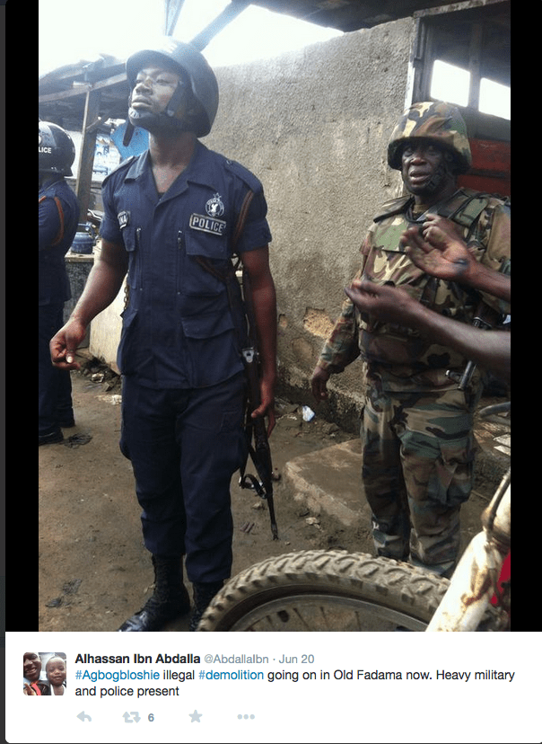 Police and military at Old Fadam/Agbogbloshie, 20 June 2015. Source: https://twitter.com/AbdallaIbn/status/612164155064324096/photo/1