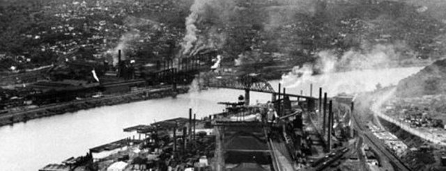 Ohioriver-factories-along-the-ohio-river-Life-magazine.-n.d