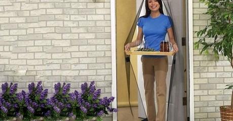 Magnetic Retractable Screen Door