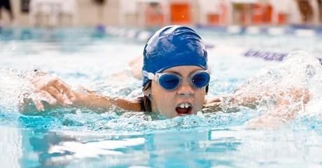Four Kids Swimming Classes