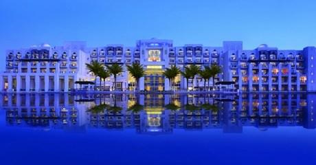 Abu Dhabi: 5* All-Inclusive Stay