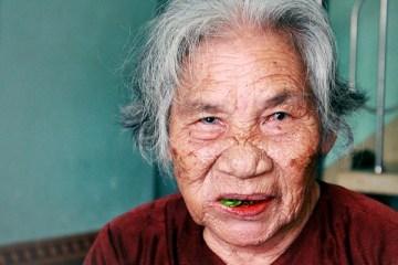 Betel Chewing-Viacetnam