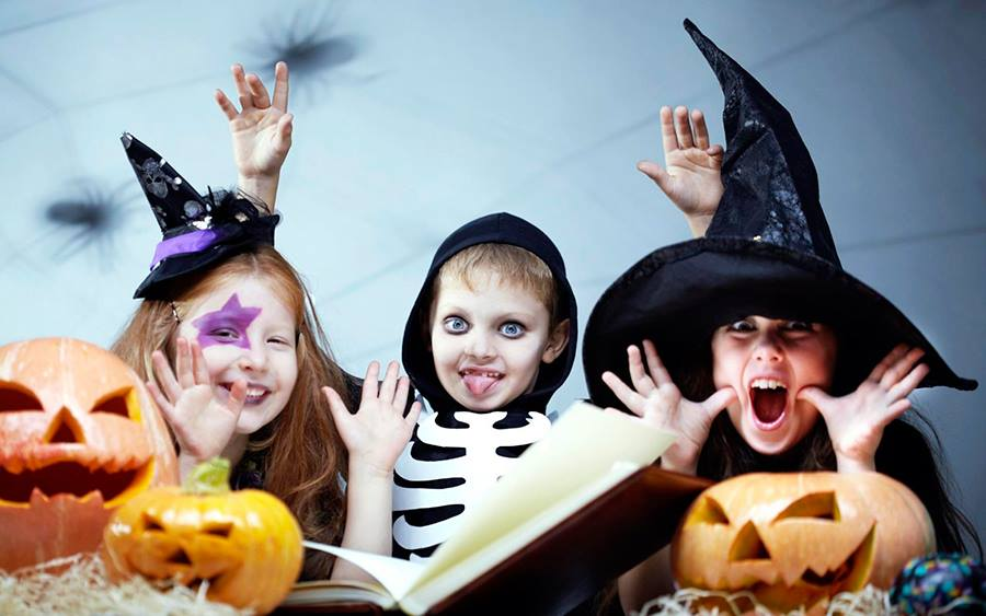 sheraton-halloween-kids-pool-party