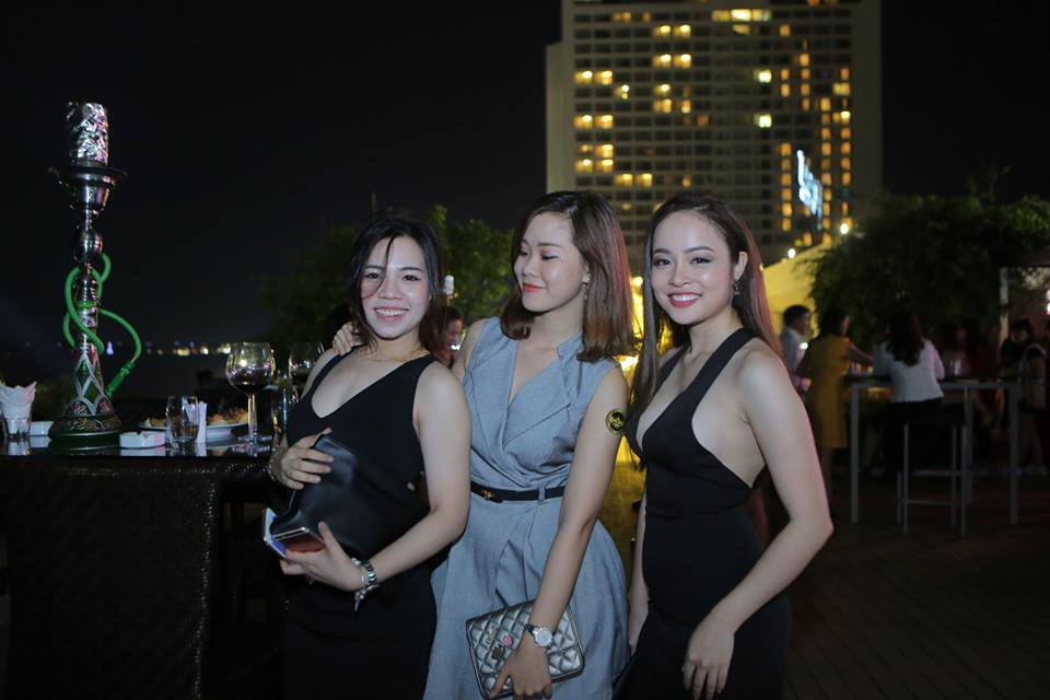 Lunar Rooftop Bar and Grill - nightlife - nha trang vietnam