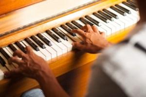 Tense pianist