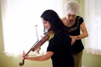 Aliza & violinist