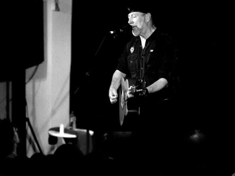 Music | Watch Richard Thompson perform 'Waltzing's for Dreamers'