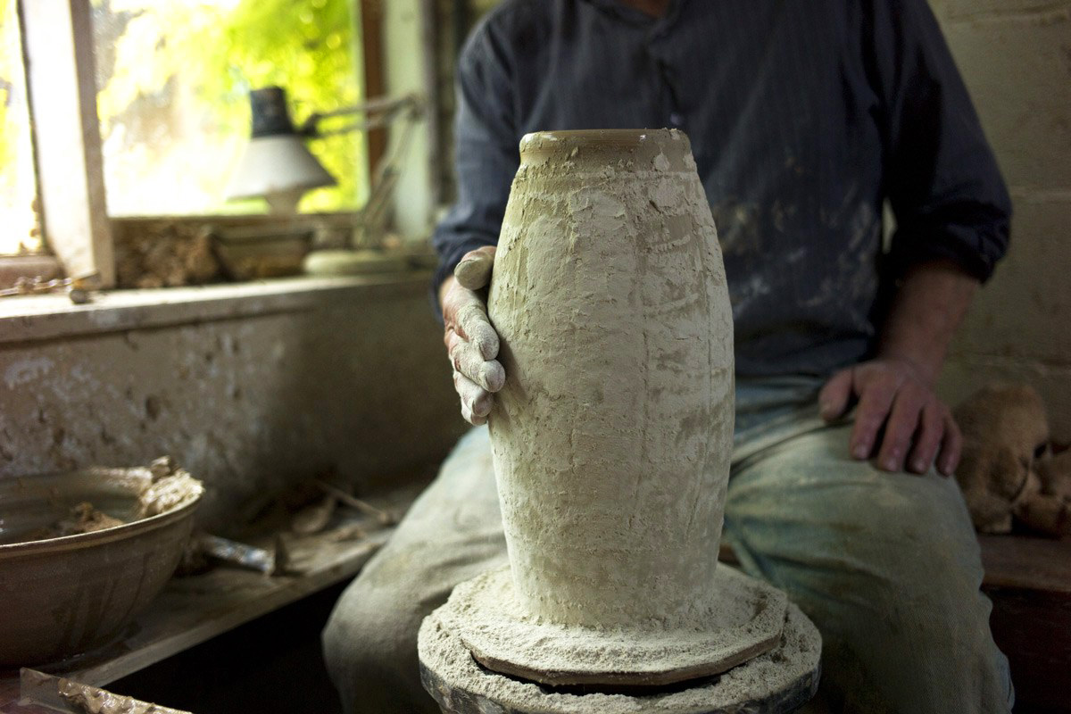 Mike-Dodd-Studio-Tour-Forming-Textured-Vase