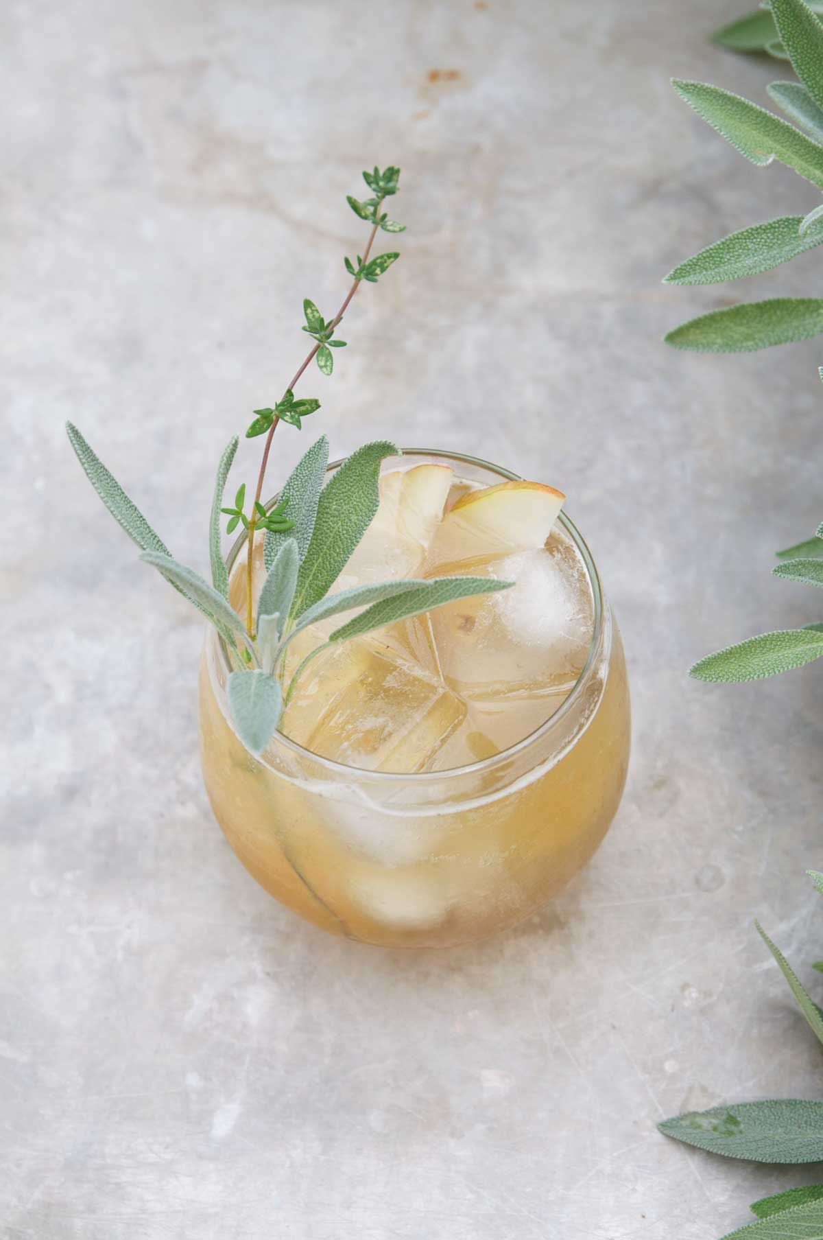 Bourbon and Spiced Pear Cocktail Fall Cocktails: Recipes for the Perfect Drink