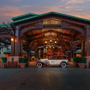 Explore and discover the newly renovated Disney's Grand Californian Hotel!