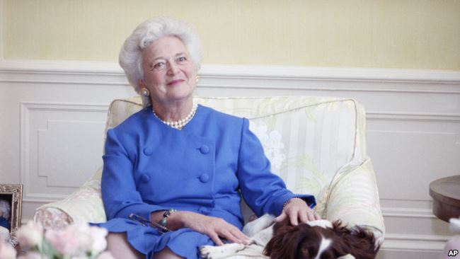 In Photo: Barbara Bush  Her pearls sparked a national fashion trend when she wore them to her husband's inauguration in 1989. The pearls became synonymous with her. Barbara Bush later said she selected them to hide the wrinkles in her neck. The candid admission only bolstered her common sense and down-to-earth public image. Credit/VoA