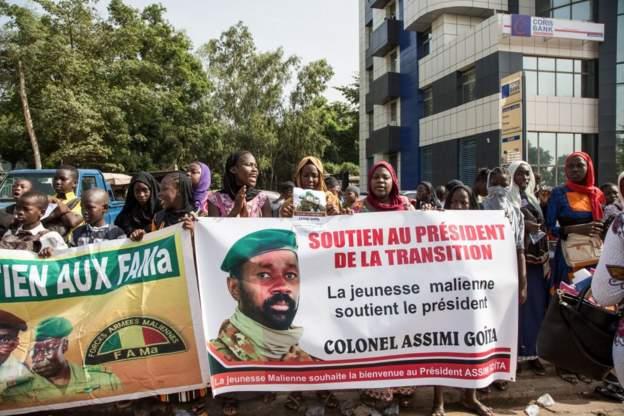 Mali's coup leader, Asimi Goita, sworn in as president