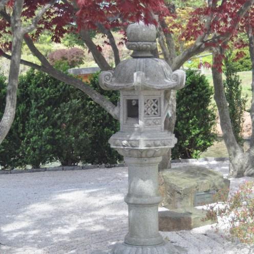 Kasuga lantern with crane (Photo: Claire Cohen)