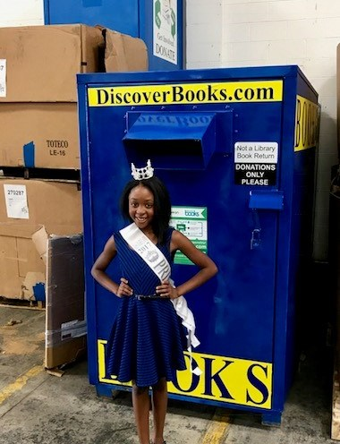 Miss Maryland Princess 2016 Visits Discover Books!!