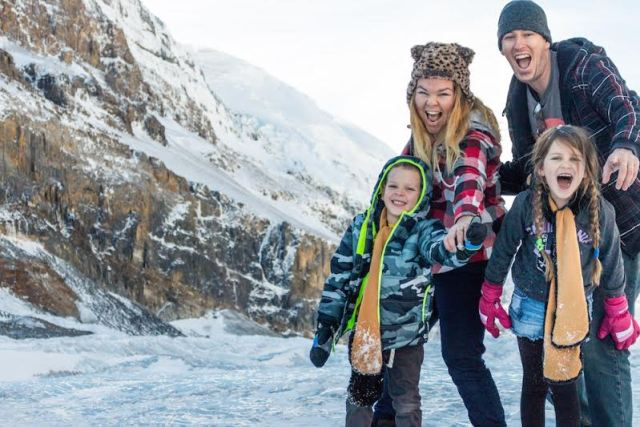 Best Family travel bloggers to follow- Travel With Bender