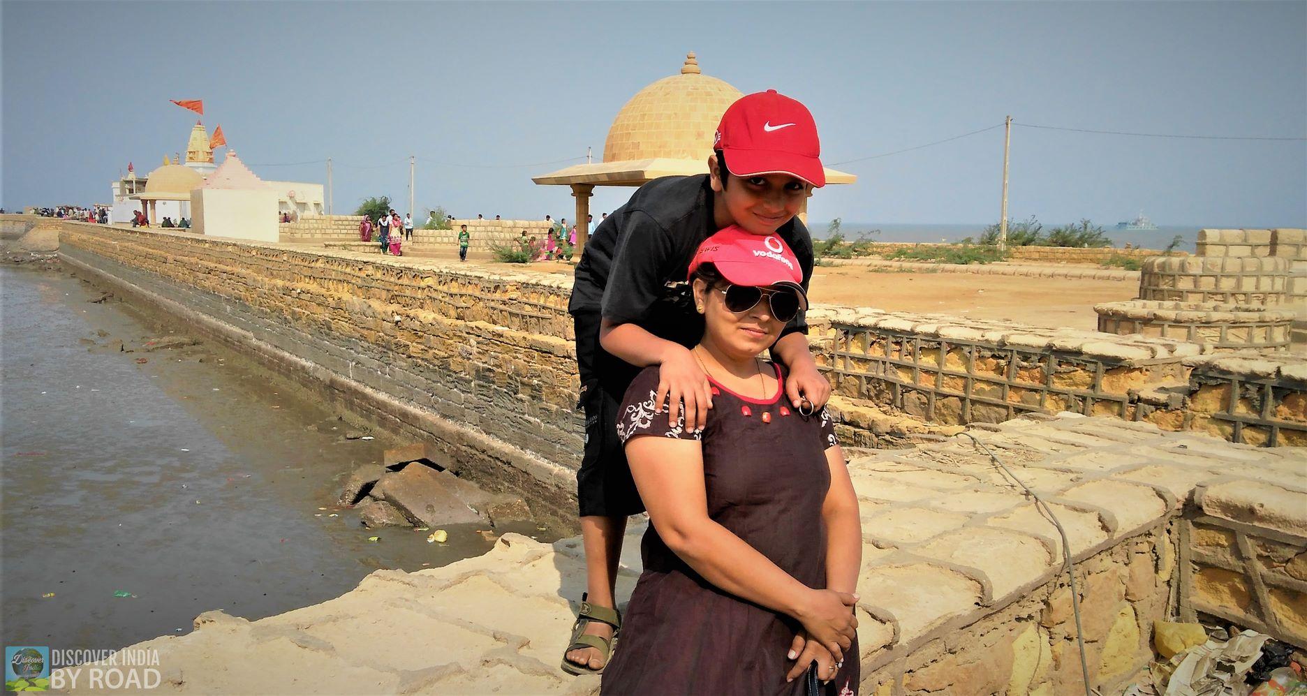 Say cheese moments at Koteshwar Mahadev temple