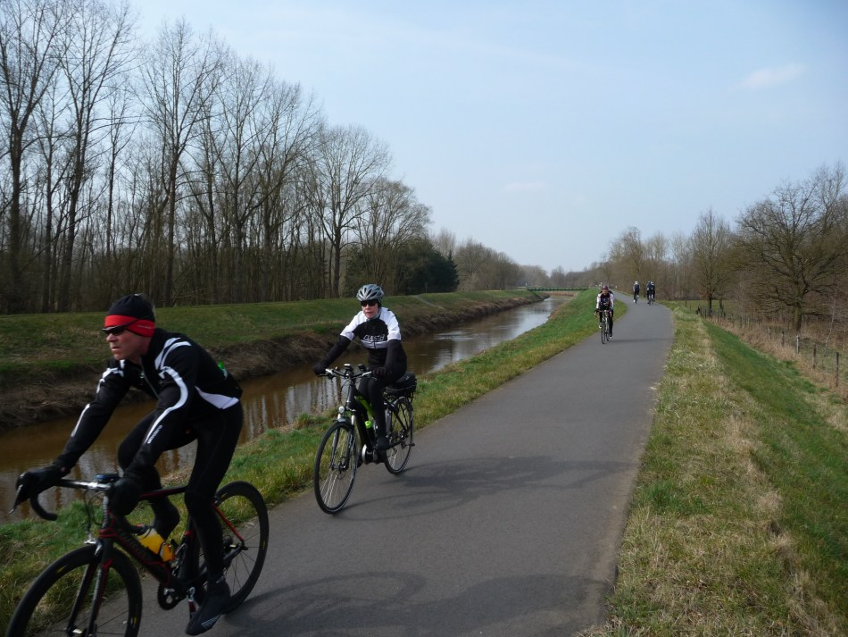 Cycling along the River Dijle