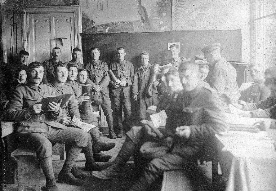 Talbot-house-soldiers-relaxing1