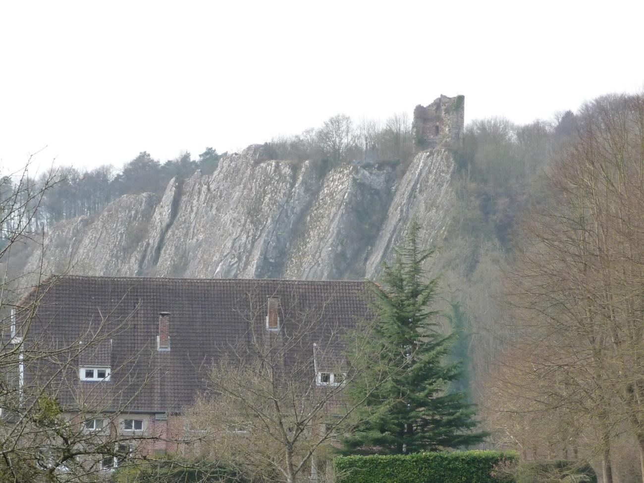 GR571-Chateau-Ambleve-close1