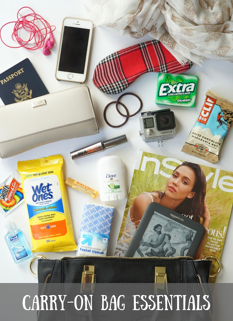 What to pack in your carry-on bag / www.discoveringyourhappy.com