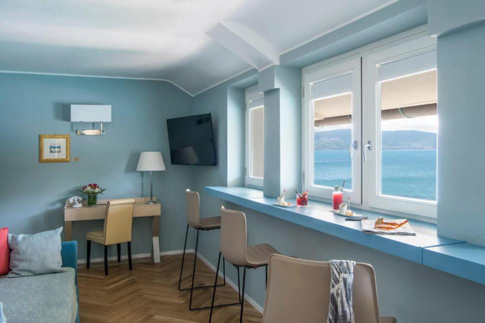 italian riviera luxury suite