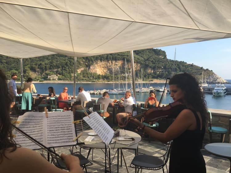 classical-music-cocktails-venus-bar