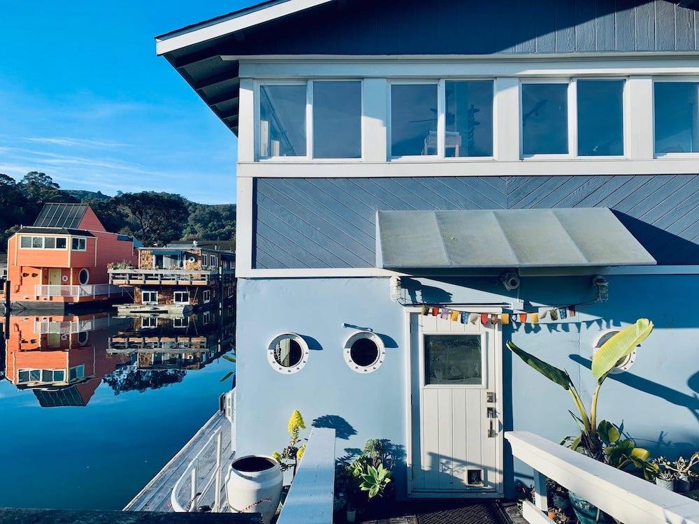 Sausalito Houseboats - Blue Pirate Entrance