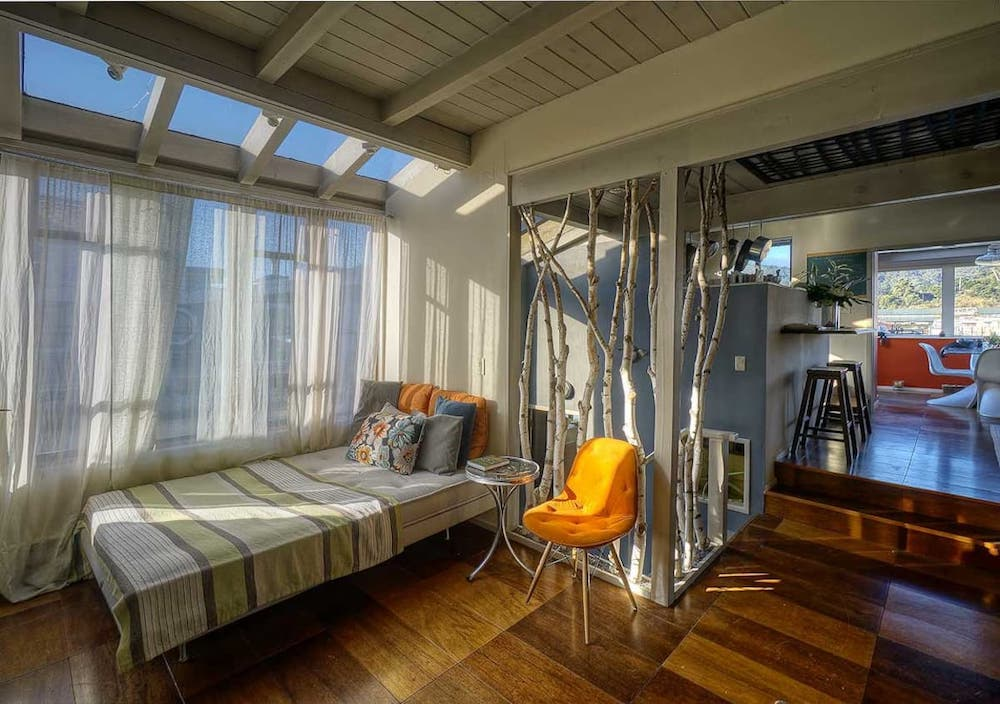 Sausalito Houseboats - TOBIKO Seating & Bed